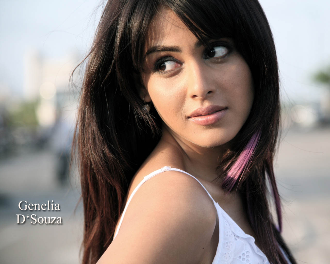 Email This BlogThis  Share to Twitter Share to Facebook Share to    Genelia Hairstyle In Force