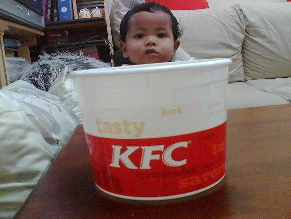 KISAH ADAM & BEKAS KFC DI ULANGTAHUN PERTAMA