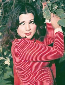 hot pictures of musarrat shaheen pashto sexy actress musarrat shaheen