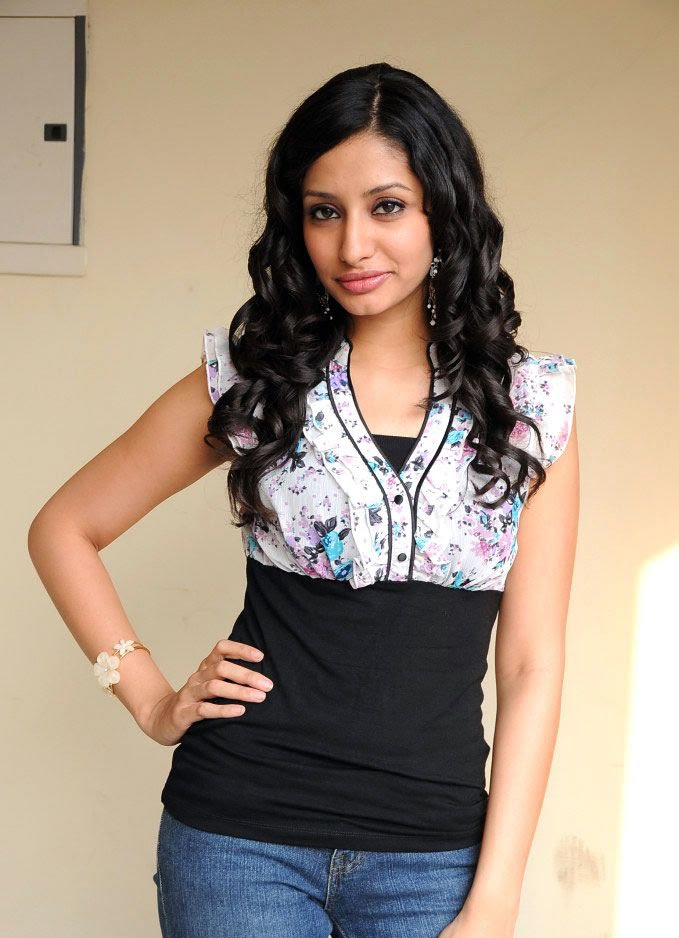 Anita Actress in South India Kannada Movie Association Industries. She ...