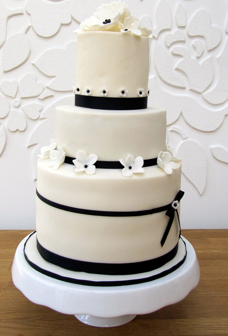Peggys Cupcakes Black And White Wedding Cake