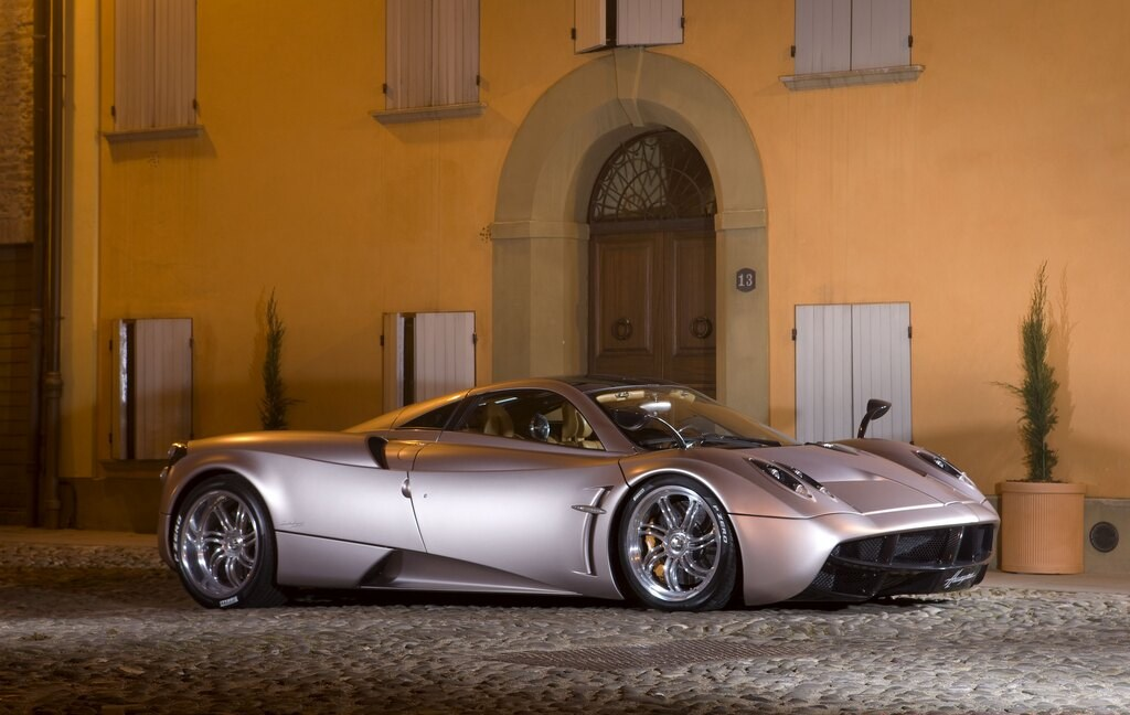 Highlight: 2012 Pagani Huayra