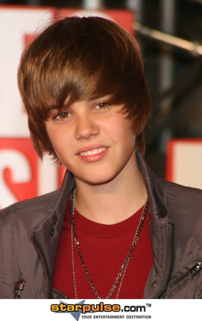 justin bieber older. Justin Drew Bieber (born in 14
