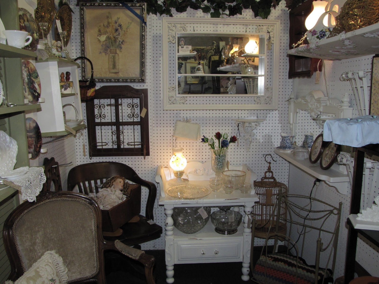 family american style switching my shabby chic inspiration booth up again. Black Bedroom Furniture Sets. Home Design Ideas