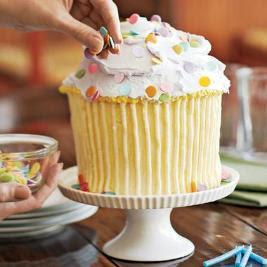 I covet large cupcakes
