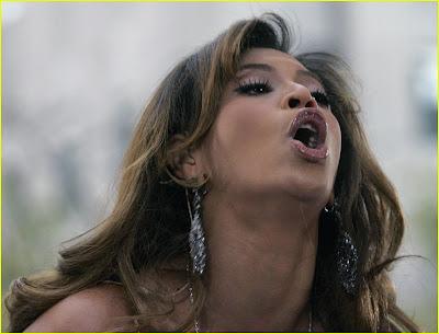 http://4.bp.blogspot.com/_7F1DZQDuuCE/RXY1pVmG0eI/AAAAAAAAAGI/2xwP4knd8_I/s400/beyonce-funny-face-03.jpg