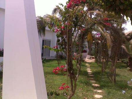 a louer aux almadies villa avec jardin de 1300 m avec 5