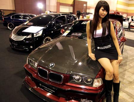 MODIFICATION CAR - sexy girl in BMW make the show cars more hot