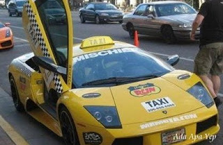 FERRARI turn to taxi car wallpaper