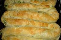 Emine Beder Antep Fıstıklı Ispanaklı Börek Tarifi