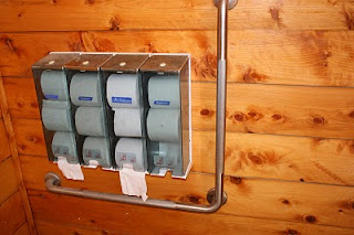 public toilets at cathedral cove