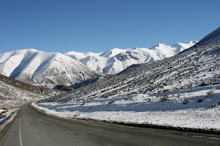 NZ porters pass with snow