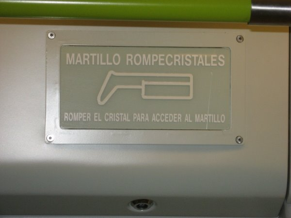 Martillo rompecristales