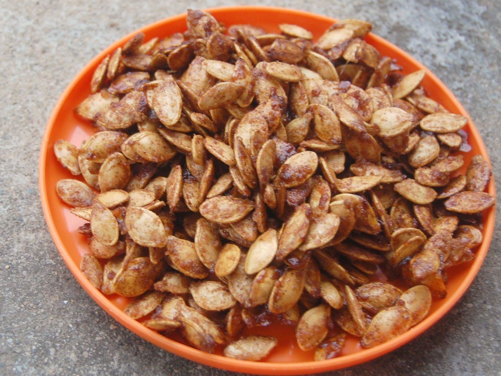 Cassie Craves: Pumpkin Pie-Spiced Pumpkin Seeds