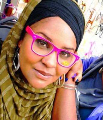 Sukina Douglas Jatuh Cinta Pada Islam, Tukar Rambut Gimbal Dengan Jilbab