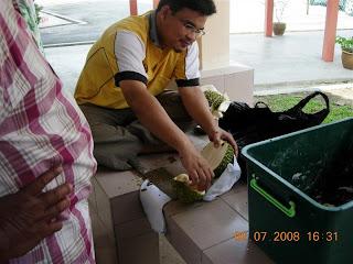 Betapa Sedapnya Durian