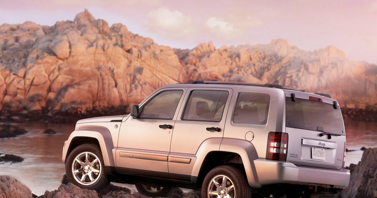 motor mania buzz jeep recalls liberty compact suv for. Black Bedroom Furniture Sets. Home Design Ideas