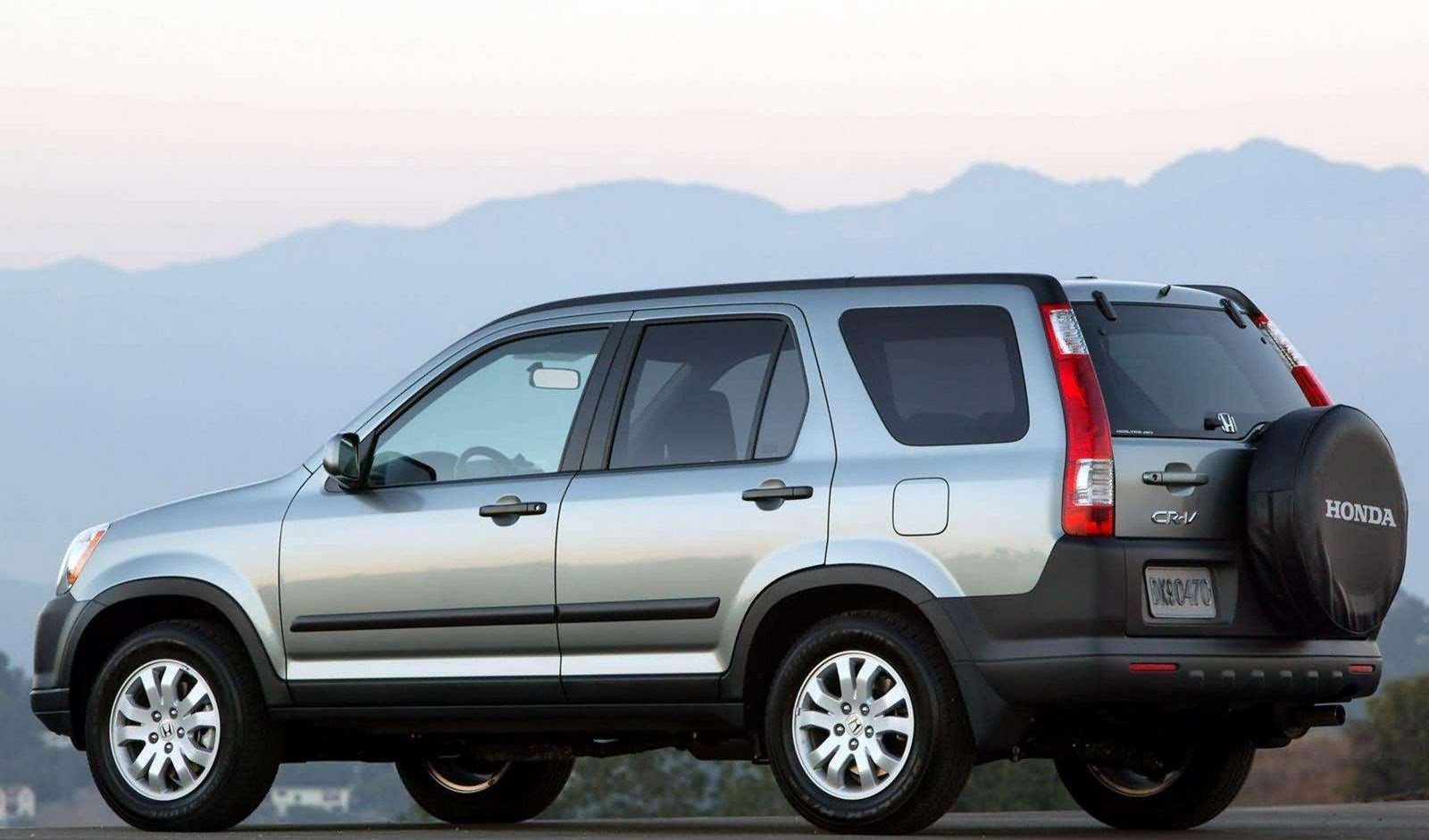 Image gallery 2005 small suvs for 06 jeep liberty window regulator recall