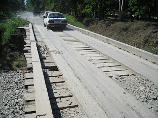one lane wood bridge, El Porvenir, Honduras