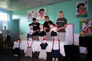 Puppets teach healthy living, El Porvenir, Honduras