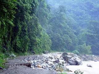Cangrejal river road washed out, Honduras