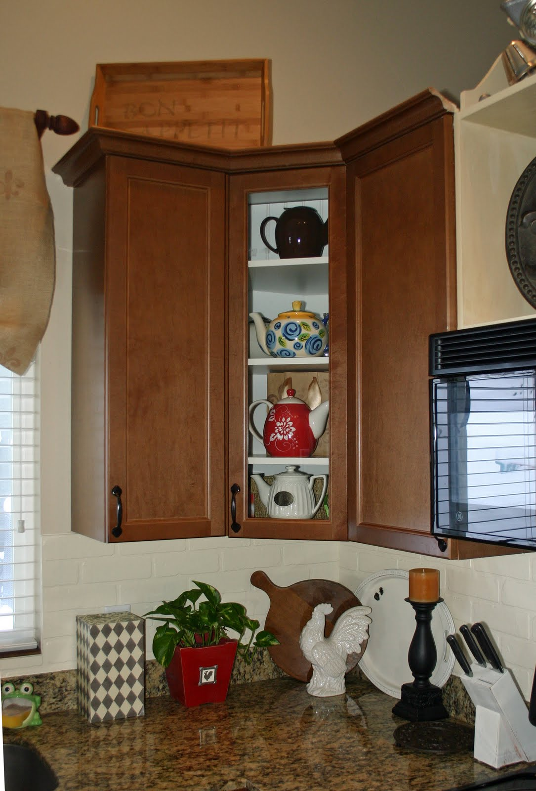 Custom Cabinets, part deux!