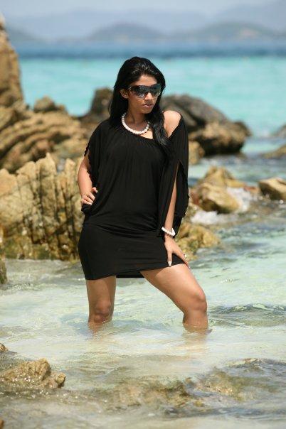 [SriLankan_sexy_Tamil_Actress_Aksha_Sudari3.jpg]
