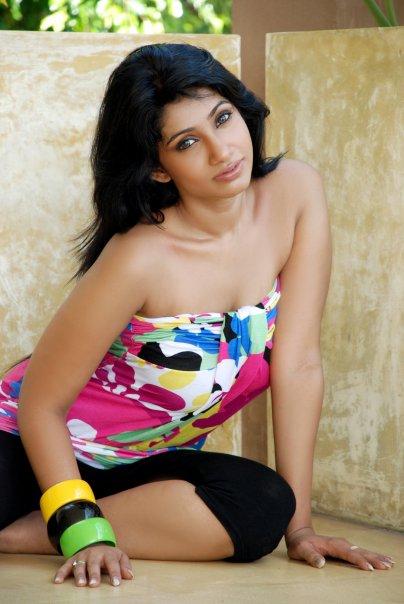 [SriLankan_sexy_Tamil_Actress_Aksha_Sudari27.jpg]