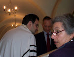Rabbi Hillel & Sharon rolling scrolls