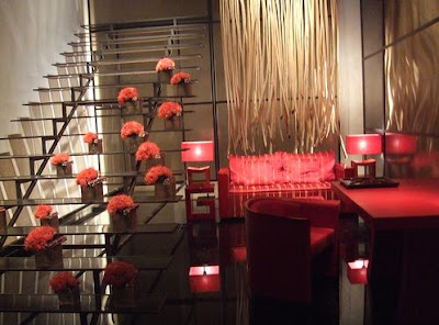 Red-decorations-for-the-living-room