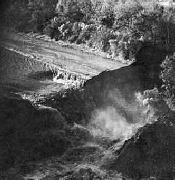 Waterfall in Lake Peigneur