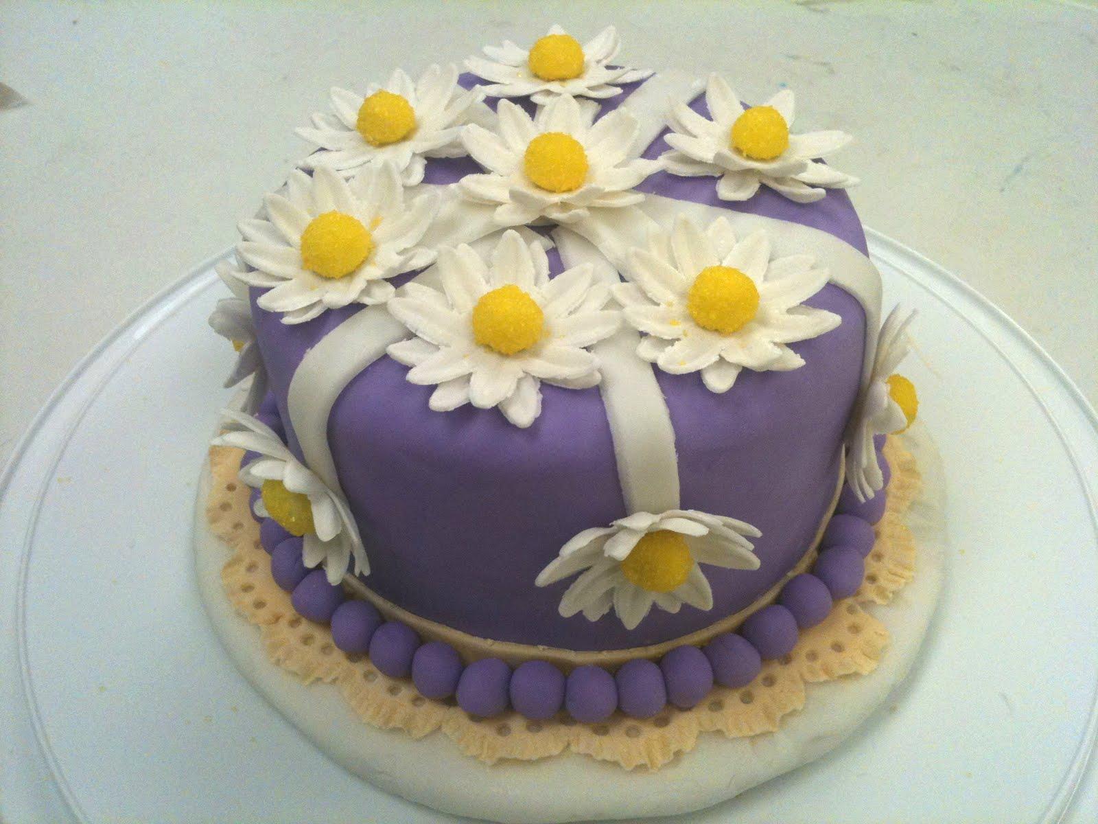 Cake Images Sonia : Cake Decorating by Sonia: October 2010 - Gum Paste ...