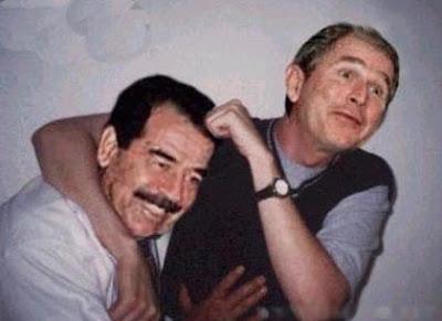 Foto montagem com Bush e Sadan como se fossem velhos amigos