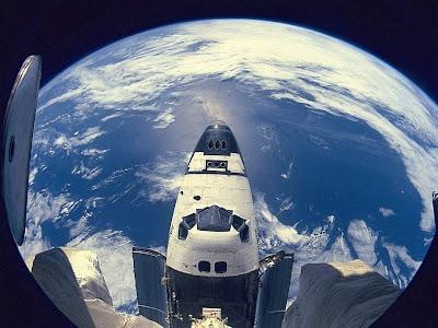 Imagem do oceano pacífico feita do espaço.