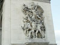 Detalhe escultural em uma das colunas