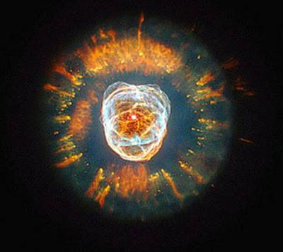 Hubble: Nebulosa NGC 2392,O Esquimó