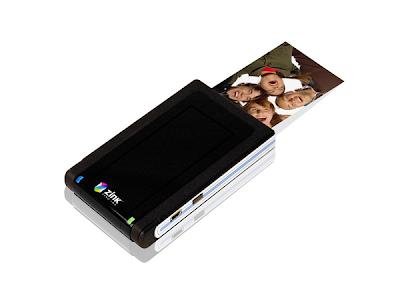 Câmera digital integrada com impressora – ZINK – vista frontal.
