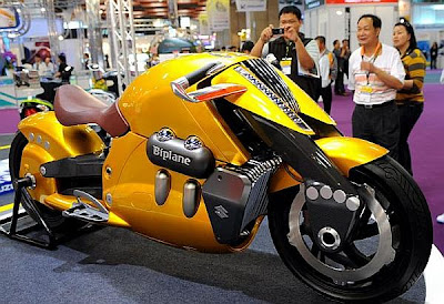 Suzuki Biplane: para quem gosta de moto grande