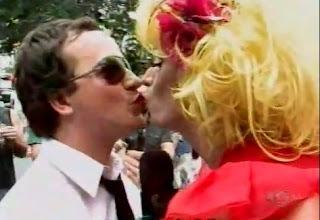 CQC beijo gay