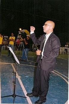 Hélio Júnior - Regente da Orquestra Filarmônica Estrelas da Serra