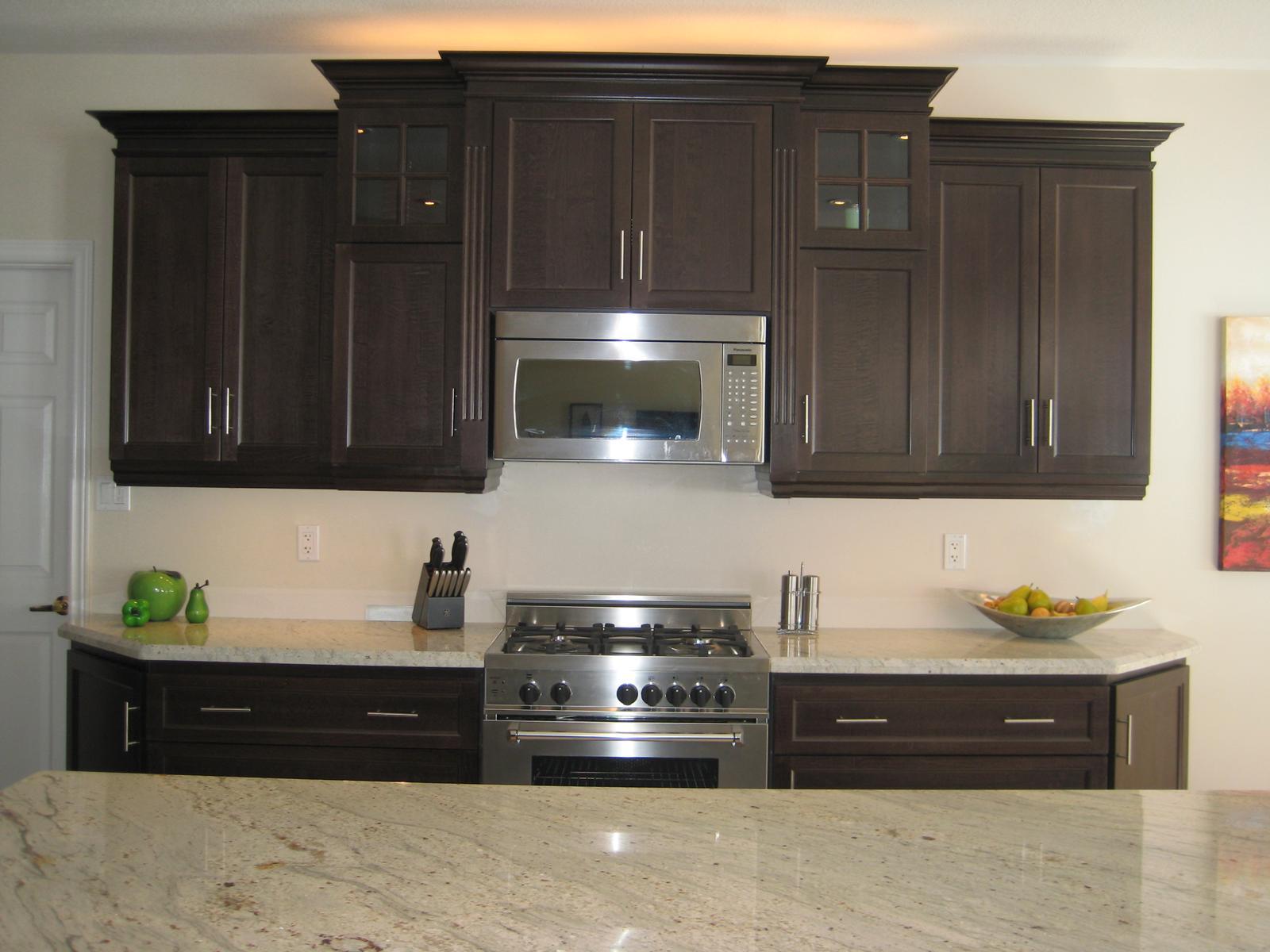 http://4.bp.blogspot.com/_7QZFKuhwBME/TJECvteWkII/AAAAAAAAAIM/Ko_N2KZjXo0/s1600/Kitchen%206%20After.jpg