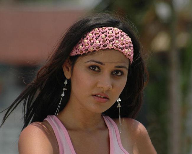 nisha kothari unseen pics