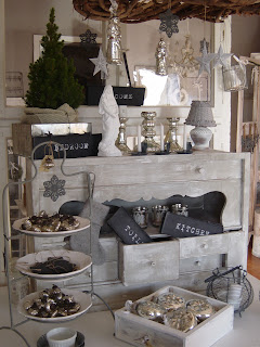 frau k shabby chic weihnachtsdeko bei gef hlten 25 c. Black Bedroom Furniture Sets. Home Design Ideas