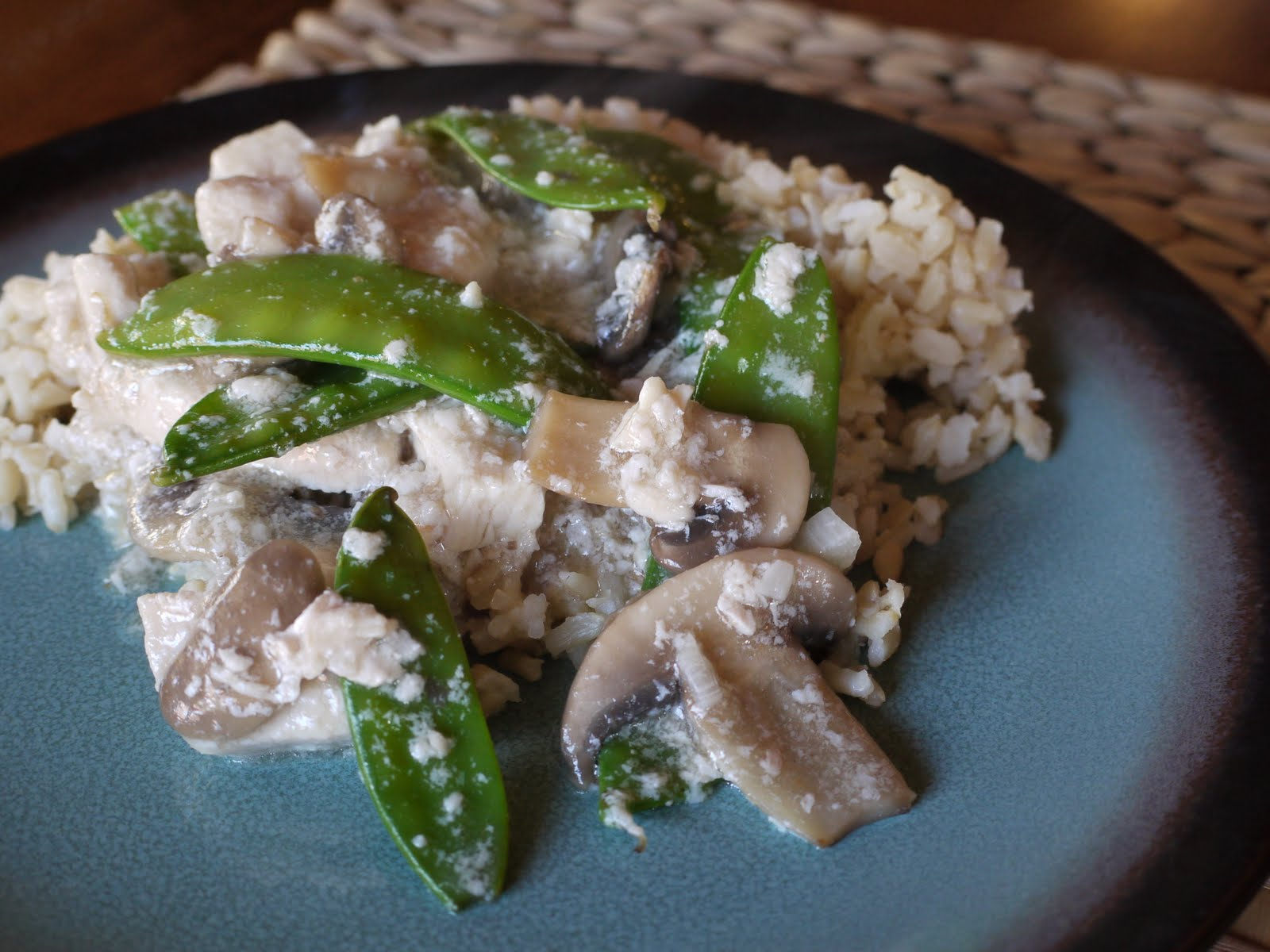 Moo Goo GAI Pan http://bad-girls-kitchen.blogspot.com/2010/04/taste-create-moo-goo-gai-pan.html