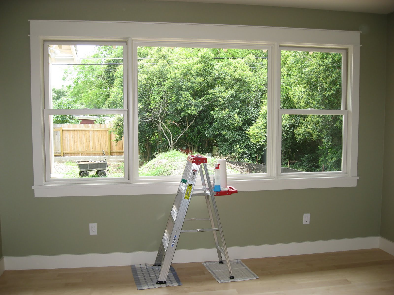 Simple window trim - On The Other Hand I Can T See So Clearly In The Master Bathroom Where Another Inspection Issue Meant That We Had To Put Up A Shower Curtain Across The