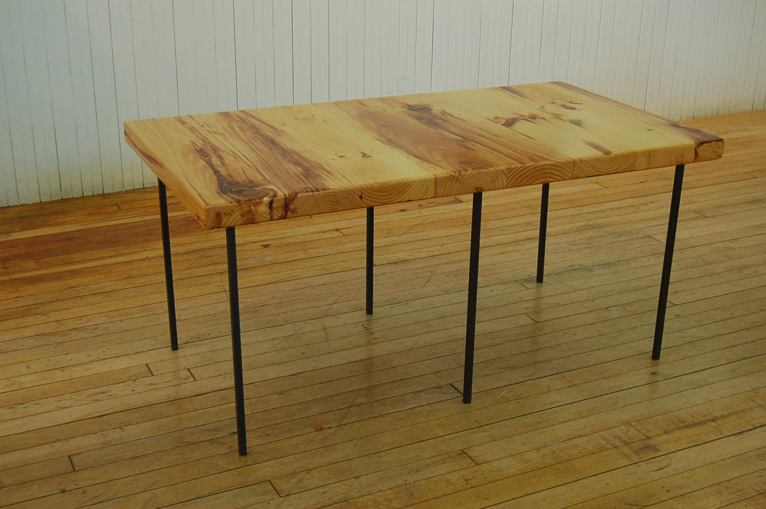 Old wooden table top - So Excited To Have Our Table Finished Up By Friend And Sculptor Adam Pearson He Created This Table Top From Old Pine Which He Put Together To Make A New