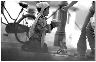 enfant mendiant un secours