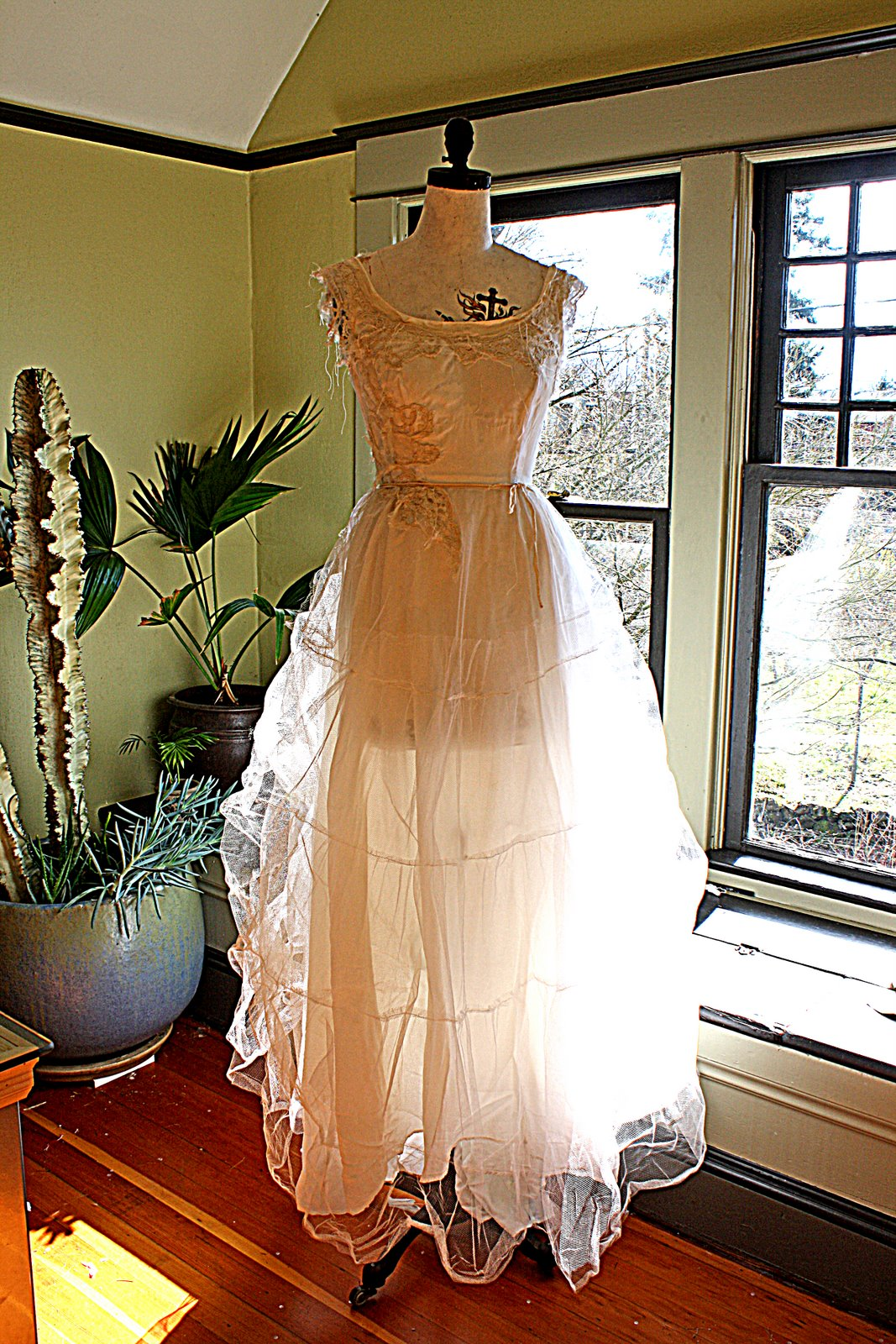 [tulle+dress+front+view]