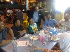 TUN FAISAL BERSAMA TEAM GEMPITA DAN BLOGGERS UNIT MEDIA BARU PEMUDA UMNO MALAYSIA