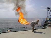 http://4.bp.blogspot.com/_7XArWPNm71s/Rnnx6a83vSI/AAAAAAAAAHY/hx1ClBS5cck/s400/butt_fire.jpg